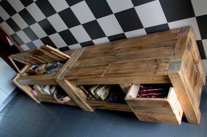 Mobile da cucina blog di deni niagara - Mobili con bancali di legno ...