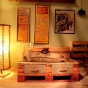 Arredamento per la casa con legno da recupero e pallet.