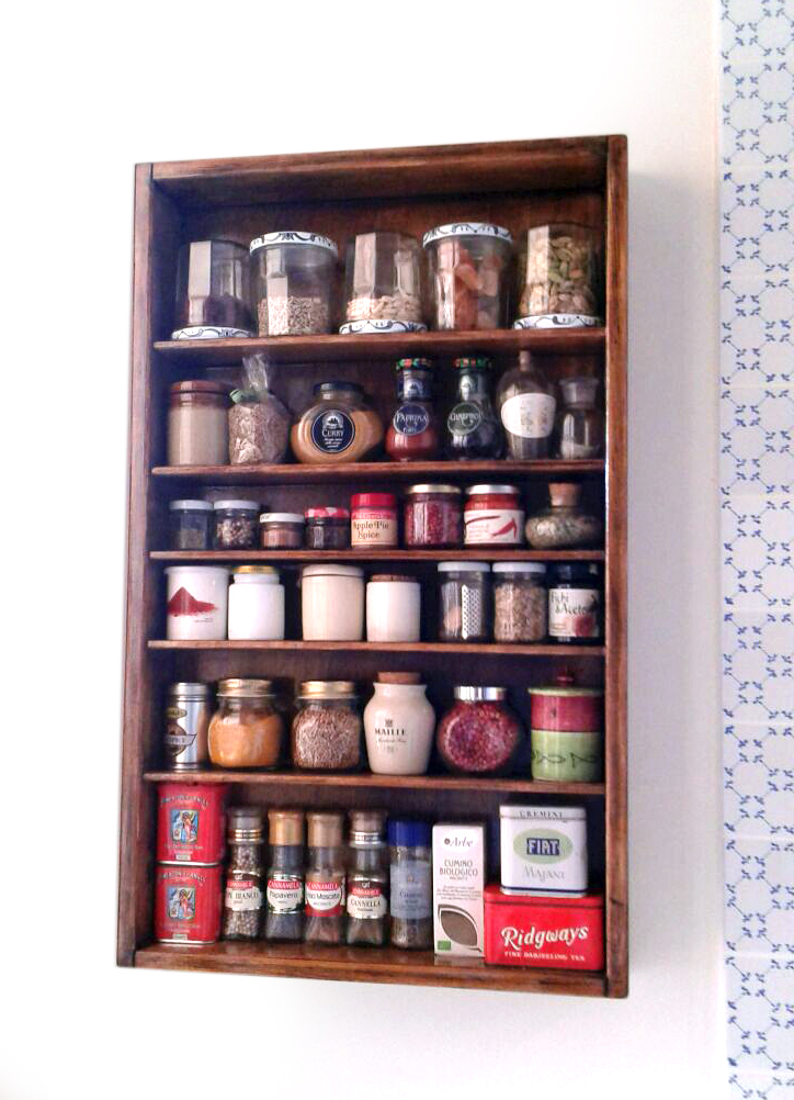 Scaffale portaspezie da parete fai da te blog di deni for Parete in legno fai da te